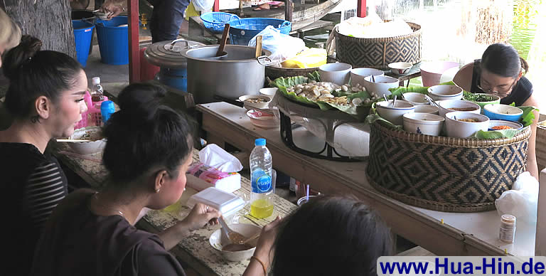 Thai Suppe Floating Market Hua Hin